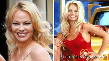 'Still fits!': Pam Anderson, 52, wears old Baywatch swimsuit around the house - Yahoo Lifestyle Australia