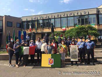 2 giugno a Cavriago, donate bandiera del comune e tricolore all'uncinetto - sassuolo2000.it - SASSUOLO NOTIZIE - SASSUOLO 2000