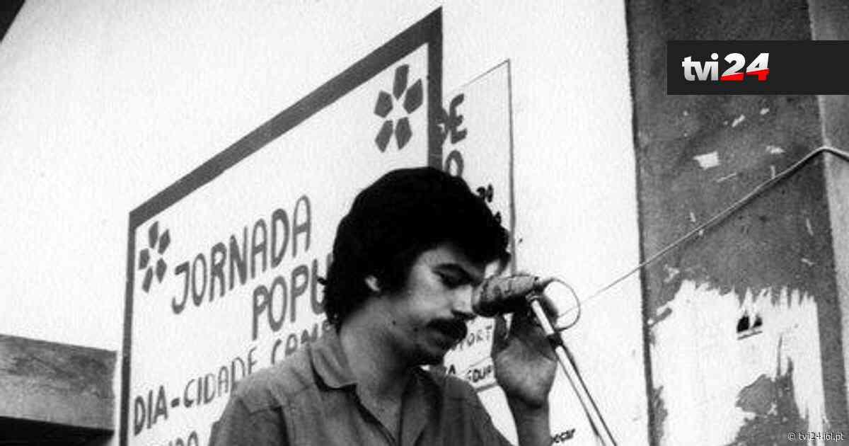 Ephemera Diário: Ferro Rodrigues numa festa do GDUP de Linda-a-Velha (1976) - TVI24