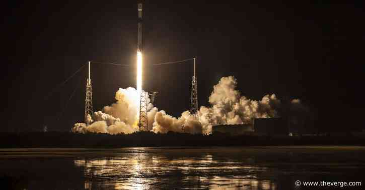 SpaceX launches latest batch of internet satellites, including one with a visor
