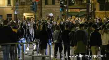 Roma, movida fuori controllo da Fregene a Fiumicino: niente distanze tra clienti, chiusi tre pub - Il Messaggero