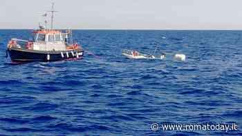 Affonda barca di pescatori sportivi, salvati quattro diportisti - RomaToday