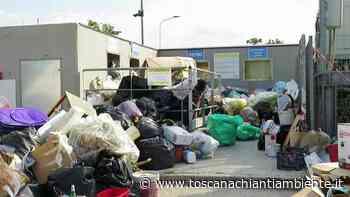Quarrata, tonnellate di rifiuti abbandonati all'esterno dell'ecocentro - Redazione di Associazione culturale Toscana Chianti Ambiente