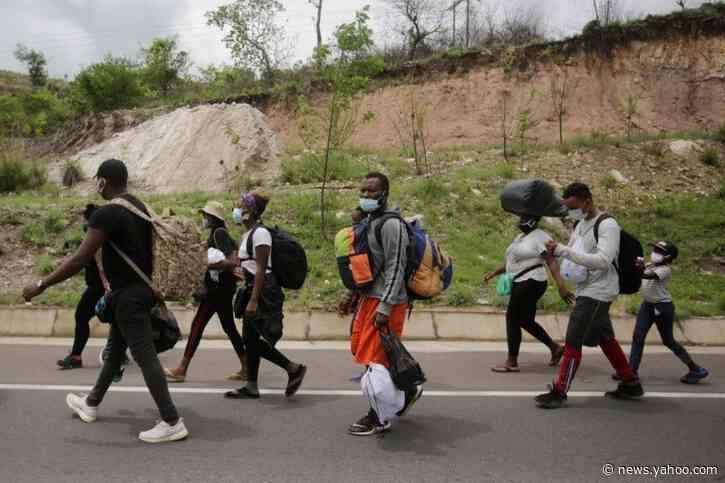 African, Caribbean migrants continue trek towards U.S. border