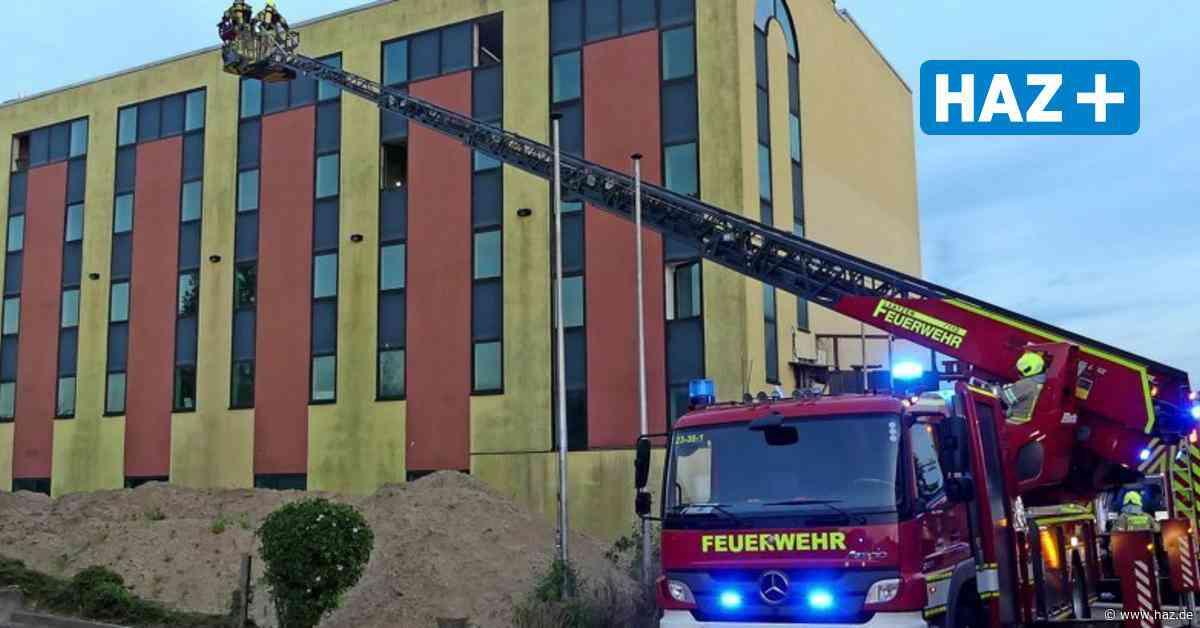 Laatzen: Gerümpel brennt in leer stehendem Ramada-Hotel - Hannoversche Allgemeine