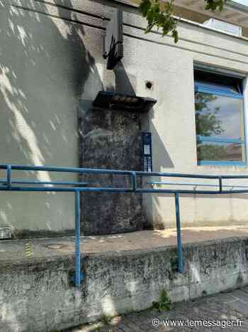 Ferney-Voltaire: le distributeur de la banque postale incendié - Le Messager