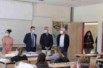 Pavilly. Le directeur académique en visite au collège des Hauts du Saffimbec - Le Courrier Cauchois