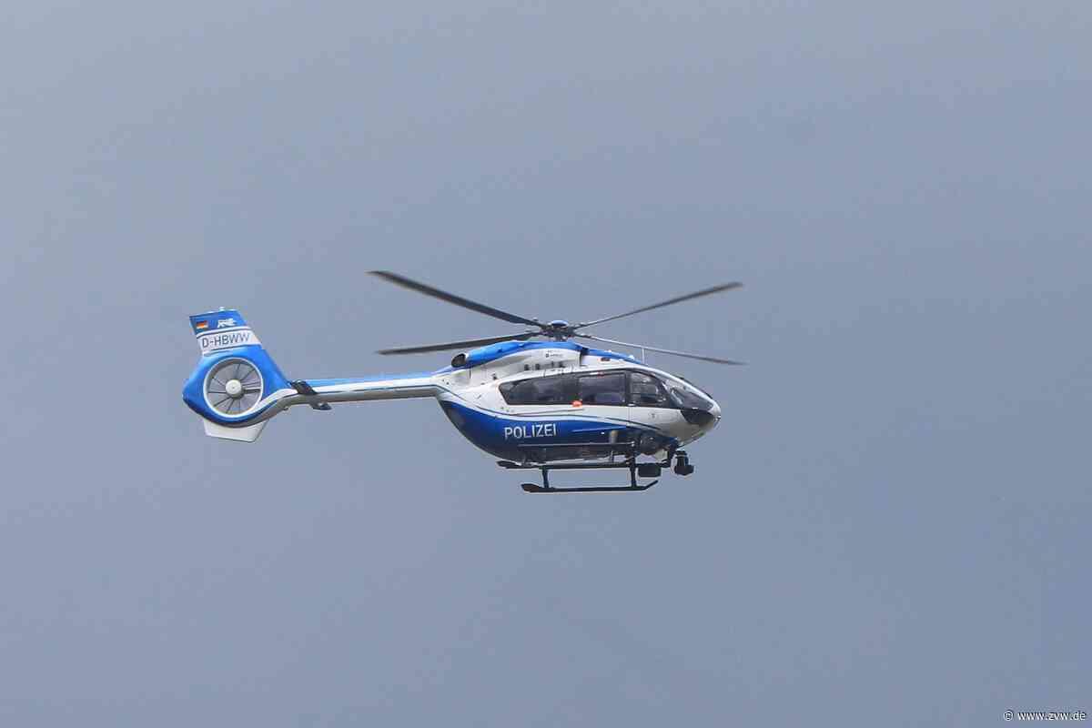 Raubüberfall: Hubschrauber der Polizei über Schorndorf - Blaulicht - Zeitungsverlag Waiblingen