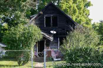 Early morning house fire leaves one dead in Springfield