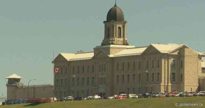 Charges laid after 2 inmates stabbed at Stony Mountain Institution - Globalnews.ca