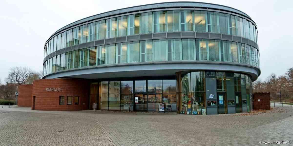 Hennigsdorf - Hennigsdorf: Rathaus öffnet wieder stufenweise seine Pforten - Märkische Allgemeine Zeitung