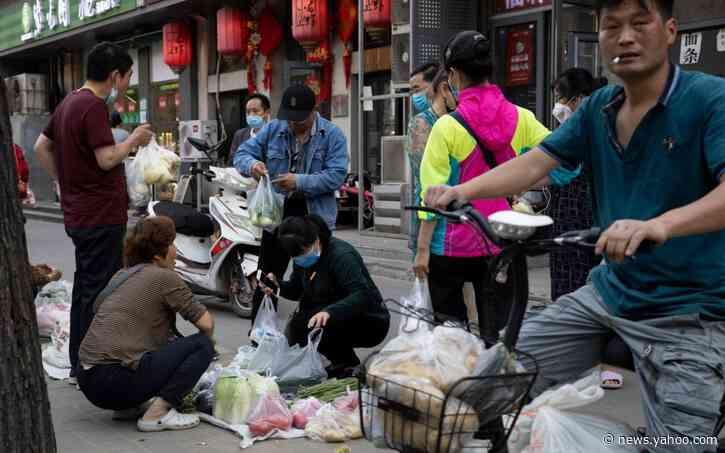 China's Covid slump prompts return of disparaged street vendors to boost economy