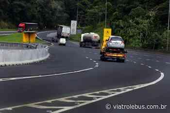 Rodovia Régis Bittencourt tem pistas bloqueadas em Barra do Turvo nesta terça-feira (2) - Via Trolebus