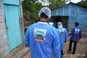 CONAPE da asistencia a pareja de adultos mayores en Yamasá - CDN