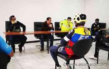 Richard Carapaz en plantón por la muerte del ciclista juvenil en el Carchi