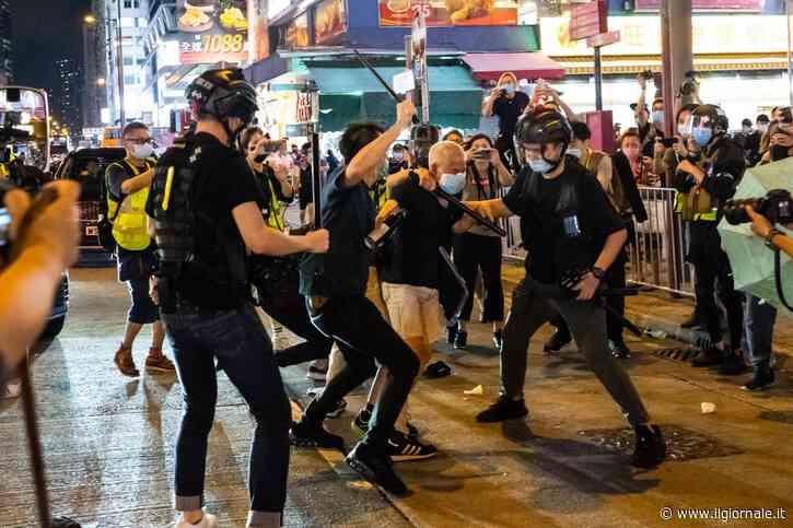 Hong Kong, ancora caos: spray sui manifestanti per piazza Tienanmen