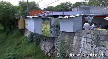 Feirantes recebem notificação para sair das margens do Rio Ipojuca, em Caruaru - NE10