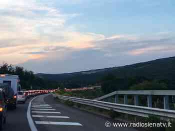 Traffico bloccato sulla Siena-Grosseto, code lunghissime | RadioSienaTv - RadioSienaTv