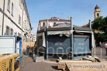 Operazione chirurgica per smontare il chiosco di piazza Merlin a Rovigo [VIDEO] - RovigoOggi.it
