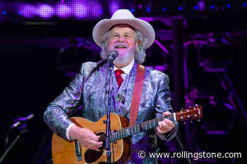Robert Earl Keen to Play Social-Distanced Shows at Texas Club