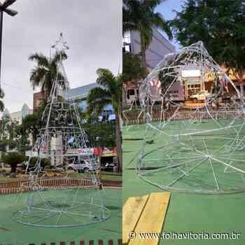 Vândalos destroem decoração de Natal na praça de Afonso Claudio - Folha Vitória