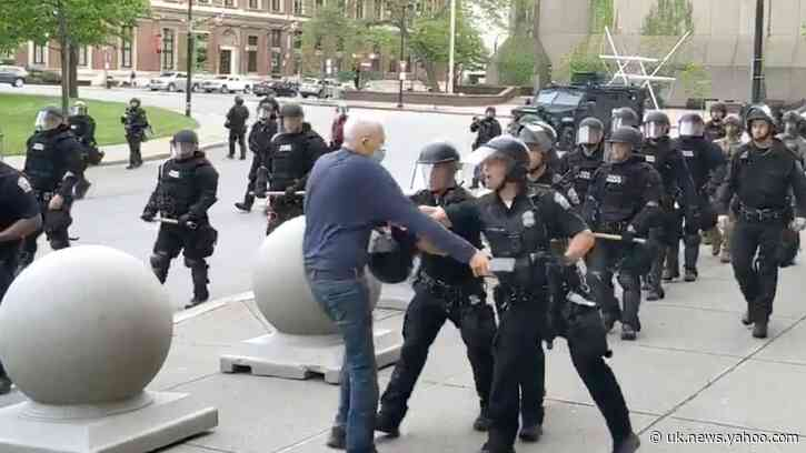 NY Cops Crack Down After Day of Peaceful Protests