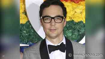 'Big Bang Theory' star Jim Parsons says playing a woman in college theater led to 'a love of being on the stage' - Yahoo Entertainment