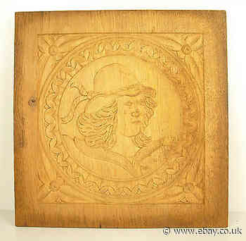 Profile D' Man Figural Panel Wood Carved Carved Wooden Panel 30 CM