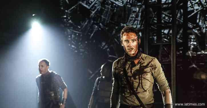 Coronavirus tips: Marvel's Tom Hiddleston in 'Coriolanus' - Los Angeles Times