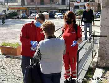 Tornare in chiesa in sicurezza, a Carsoli la Croce Rossa misura la temperatura e dà disinfettante ai fedeli - MarsicaLive