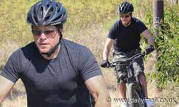 Matt Damon takes some time for himself by indulging in a solo bike ride in Malibu - Daily Mail