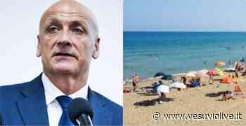 """Pozzuoli, il sindaco: """"Spiagge libere sempre gratuite. A Licola meno lidi privati"""" - Vesuvio Live"""