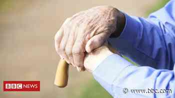 Dementia deaths up in first months of pandemic - BBC News