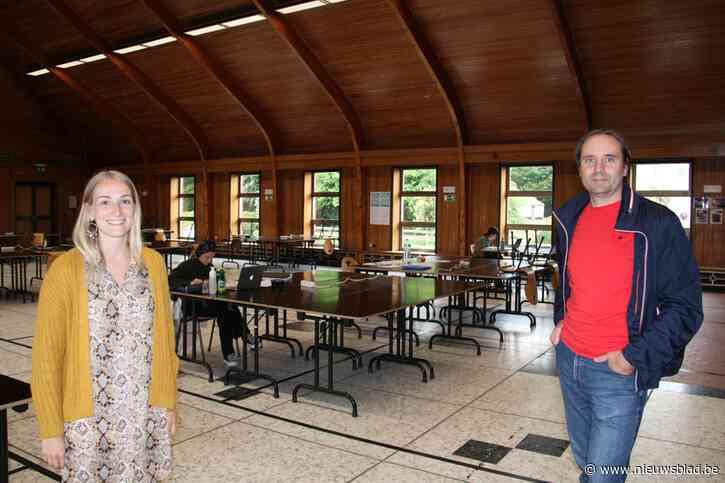 Studerende studenten krijgen gemeentelijke feestzaal ter beschikking