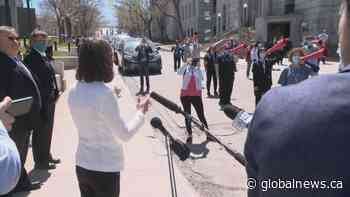 Tired, frustrated nurses protest outside premier's office in Quebec City | Watch News Videos Online - Globalnews.ca