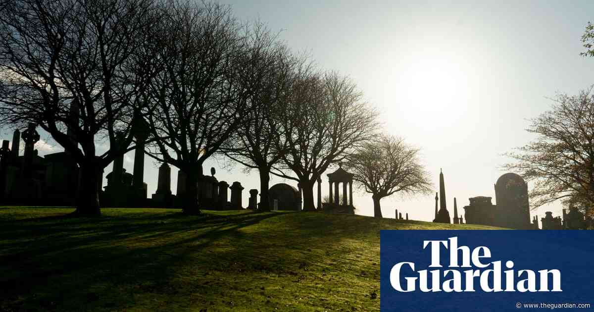Church of England disowns ruling on Irish epitaph on gravestone