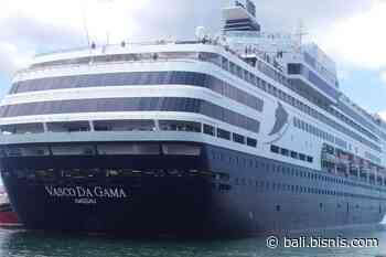 Dua Kapal Pesiar Vasco Da Gama dan MV Europa Sandar di Benoa - Bali - Bisnis.com