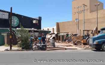 Derrumban antiguo edificio de restaurante Celebridades de ciudad Delicias - El Heraldo de Chihuahua