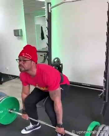 1990 Rapper Method Man now a bodybuilder - Video's lifting 435 pounds! - Up News Info