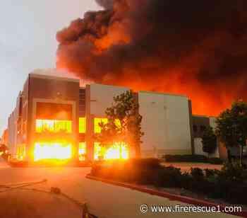 FFs battle massive blaze at Calif. Amazon distribution warehouse