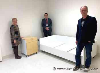 Furniture maker produces overflow beds for New Liskeard hospital - TimminsToday