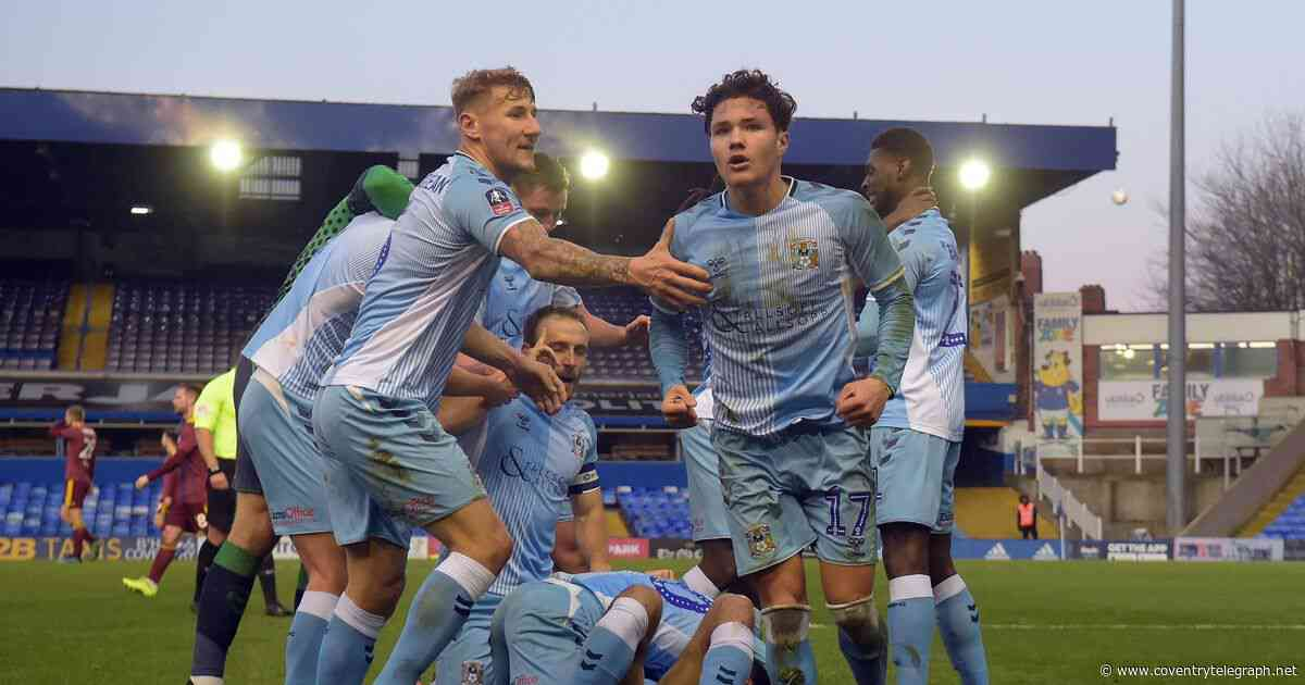 Coventry City ace set to make contract decision - report - Coventry Telegraph