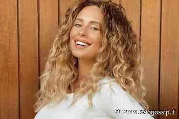 Sara Affi Fella, meraviglioso cambio di look: la foto fa impazzire i fan - SoloGossip.it