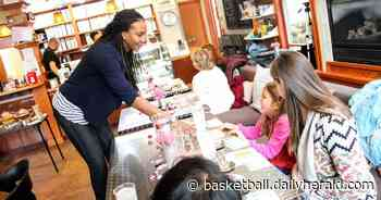 Ex-Stevenson, and WNBA star Tamika Catchings wants to use Indy tea shop to inspire change