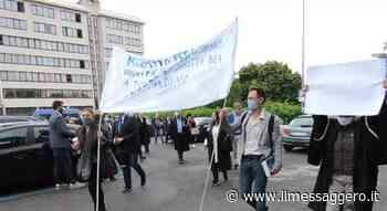 Velletri, protesta degli avvocati davanti al tribunale. Di Luciano Sciurba - Il Messaggero