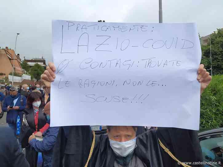 """Velletri, corteo degli avvocati davanti al Tribunale: """"Vogliamo lavorare"""" - VIDEO E FOTO - Castelli Notizie"""