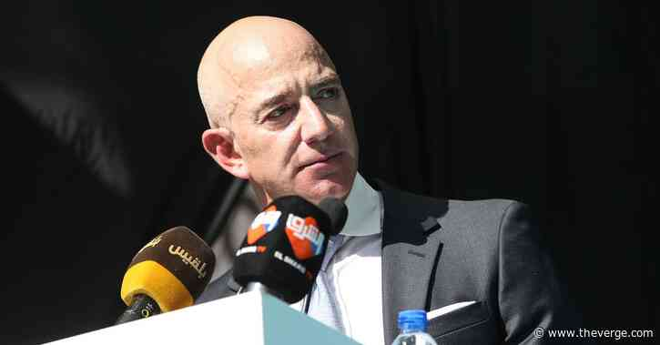 """Jeff Bezos says """"black lives matter"""" in response to angry customer email"""