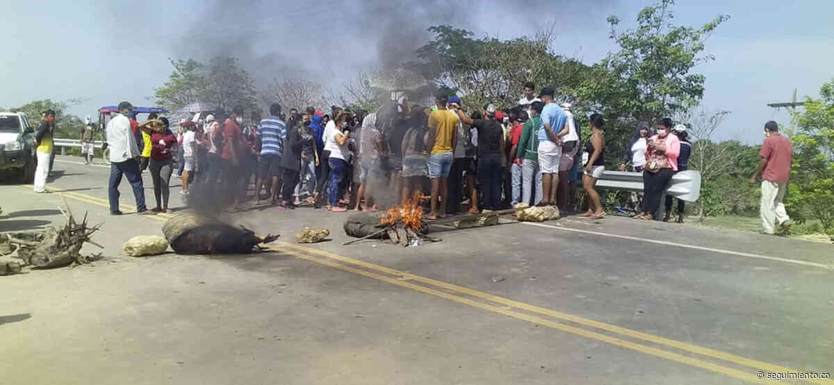 Habitantes de Sitionuevo bloquean la Vía de la Prosperidad en protesta por entrega de mercados - Seguimiento.co