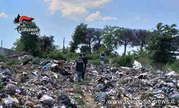 """Giugliano in Campania: Sversamento di rifiuti nel vecchio campo nomadi """"Schiatterella"""". Sopralluogo dei Carabinieri - TeleradioNews"""