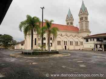Diário dos Campos | Missas em Irati também podem ser acompanhadas de dentro dos carros - Diário dos Campos